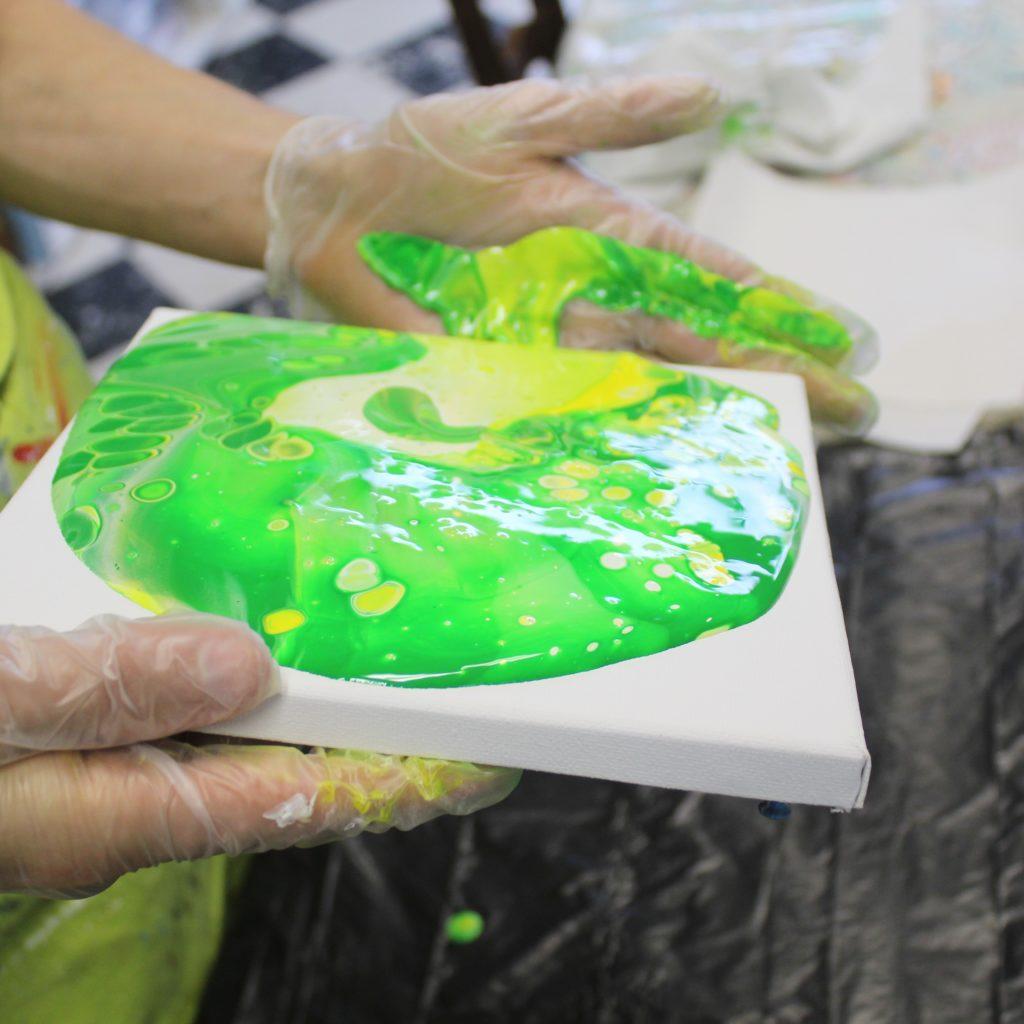 alt=''Basis workshop acryl gieten Donna Hoogstraaten''/>
