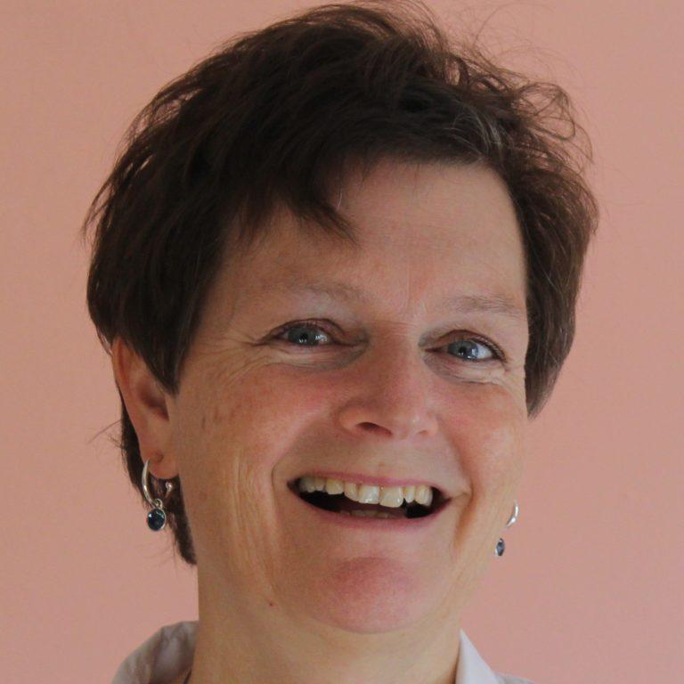 alt='acrylgieten workshop acryl gieten Donna Hoogstraaten''/>